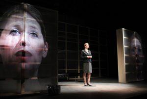 """Momentum"" im Wolfgang Borchert Theater. (Foto: Frederik Iven)"
