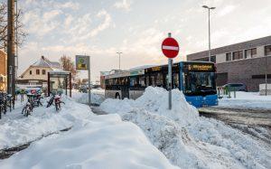Auch wenn die Schneemassen immer weiter wegschmelzen, fahren noch nicht alle Busse nach Plan - aber immer mehr von ihnen. (Foto: Stadtwerke Münster)