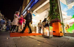 Der Stadtwerke CityShop und die Künstler von pART 96 rollen den roten Teppich für Kunstfreunde aus. (Foto: Stadtwerke)