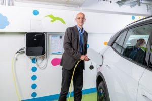Ökostrom im Akku macht Elektromobilität zu einer runden Sache, sagt Stadtwerke-Marketingleiter Ralf Mertins. (Foto: Stadtwerke)