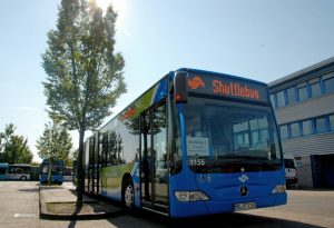Shuttlebusse der Stadtwerke bringen am Sonntag Betroffene aus Mauritz in die Betreuungsstellen. (Foto: Stadtwerke Münster)