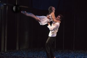 Mirco De Campi und Maria Bayarri Pérez als Romeo und Julia. (Foto: Oliver Berg)