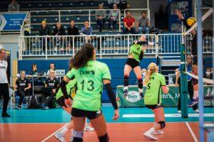 Anika Brinkmann (Trikot-Nummer 4) verabschiedet sich vom USC Münster und beendet ihre Profisport-Karriere. (Foto: USC Münster)