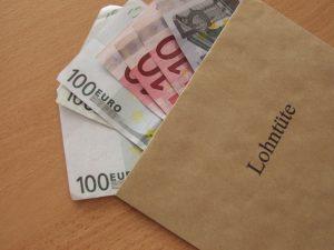 Nach Ansicht des DGB Stadtverbandes Münster sind die Anpassungen des Mindestlohns nicht ausreichend. (Symbolbild: Siegfried Fries / pixelio.de)