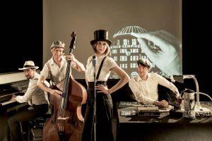 Trio Größenwahn kommt mit Gesang und Instrumenten gemeinsam mit Live-Zeichner Robert Nippoldt. (Foto: Robert Nippoldt)
