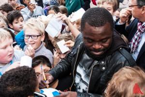 Fußballstar Asamoah nahm sich viel Zeit für seine Fans. (Foto: sg)