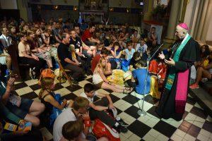 Mit rund 400 Jugendlichen sprach Bischof Genn bei der Weltjugendtagskatechese über das Thema Barmherzigkeit. (Foto: Michael Bönte /Kirche + Leben)