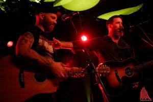 Matze Rossi und Chuck Ragan. (Foto: Michael Wietholt)