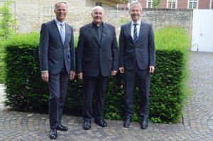 (v.l.:) Dr. Klaus Winterkamp, Bischof Dr. Felix Genn und Generalvikar Dr. Norbert Köster. (Foto: BGV Münster)