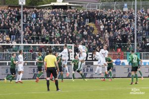 Da ist das 0:2 für den KSC. (Foto: Carsten Pöhler)