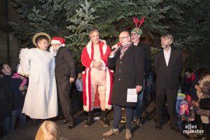 """Die """"6-Zylinder"""" und Oberbürgermeister Markus Lewe bei der Eröffnung Weihnachtsmarkt-Eröffnung. (Foto: Carsten Pöhler)"""