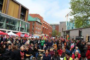 Zu der Kundgebung auf der Stubengasse im vergangenen Jahr hatten sowohl die Gewerkschaften als auch verschiedene politische Initiativen aufgerufen. (Foto: Jan Große Nobis)