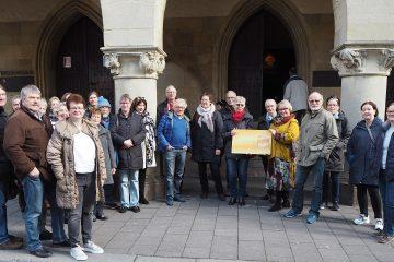 Ehrenamtskarteninhaber freuen sich über eine besondere Stadtführung mit Besuch im Friedenssaal. (Foto: FreiwilligenAgentur Münster)