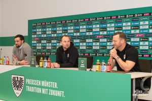 Zusammen mit Sportdirektor Malte Metzelder und Pressesprecher Marcel Weskamp stellte Hildmann sich den Fragen der Journalisten. (Foto: Carsten Pöhler)