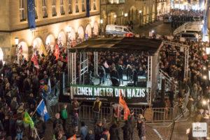 Nicht ganz so viele Teilnehmer wie in den Vorjahren kamen zu den Kundgebungen. Dennoch protestierten mehrere tausend Menschen lautstark in der Innenstadt gegen den AfD-Neujahrsempfang. (Foto: Carsten Pöhler)