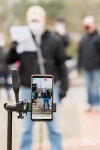 Eine Premiere: Livestream-Übertragung bei Instagram. So geht Protest in Corona Zeiten. (Foto: Carsten Pöhler)