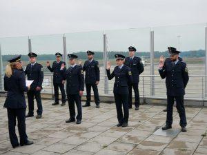 Neues Personal für die Bundespolizei-Inspektion Münster wurde am Flughafen Münster/Osnabrück vereidigt.
