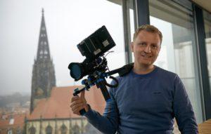 Simon Jöcker hat Filmregie in Hollywood studiert, jetzt arbeitet er hauptsächlich als Videopoduzent. (Foto: privat)