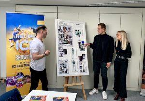 Carlo Kondring und Jessie Wistorf sprechen mit Holiday on Ice Kostümmacher Simon Crowhurst über ihre Entwürfe. (Foto: Holiday on Ice)