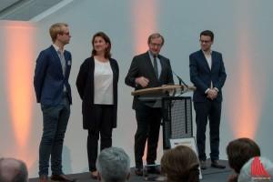 (v.l.:) Malte Jung (Assistent der Geschäftsführung), Sabine Mensing (Geschäftsführerin), Matthias Lückertz (Vorstand) und Patrick Karmann (Vorstand der Jungen Freunde) (Foto: cb)