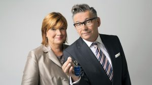 Christine Westermann und Götz Alsmann geben den Schlüssel für ihre WDR-WG ab. (Foto:WDR/Ben Knabe)