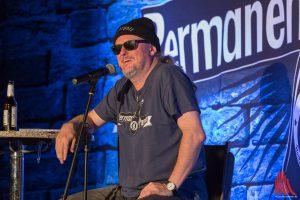 """Neues vom Hocker-Rocker: Markus Krebs ist auf """"Permanent Panne""""-Tour. (Foto: cabe)"""