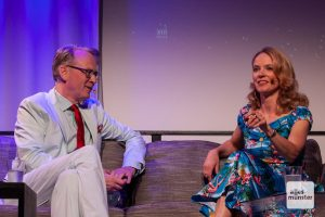 Adam Riese mit Rechtsmedizinerin Judith O'Higgins. (Foto: Stephan Günther)