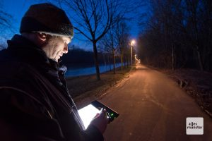 Vom Tablet aus lässt sich die adaptive Beleuchtung steuern. (Foto: Michael Bührke)
