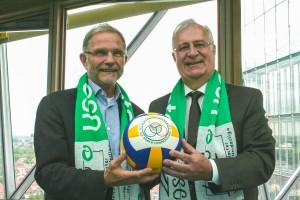 USC-Präsident Jörg Adler (li.) und Jochen Herwig, Vorstandsvorsitzender der LVM. (Foto: USC)