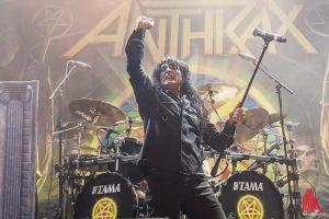 Joey Belladonna von Anthrax im Skaters Palace. (Foto: sg)