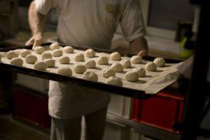 Wer in der Bäckerei arbeitet, macht einen systemrelevanten Job. Der soll jetzt besser bezahlt werden, fordert die Gewerkschaft NGG in der laufenden Tarifrunde für die Branche in Nordrhein-Westfalen. (Foto: NGG)