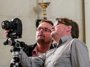 Die Fotografen Thomas M. Weber (li.) und Martin Lohoff bei der Arbeit. (Foto: privat)