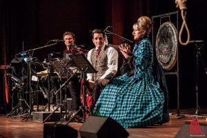 Santana: Stefan Kaminski, Bela B und Peta Devlin bastelten sich den Wilden Westen so, wie er ihnen gefällt. (Foto: sg)