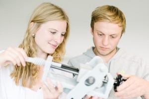 Ein duales Studium an der FH Münster verbindet Wissenschaft mit Praxiserfahrung. (Foto: FH Münster/Robert Rieger)