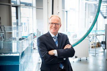 Prof. Dr. Helmut Grüning vom Fachbereich Energie – Gebäude – Umwelt rät dringend davon ab, etwas Anderes als richtiges Toilettenpapier zu benutzen. (Foto: Foto Art Wessels)