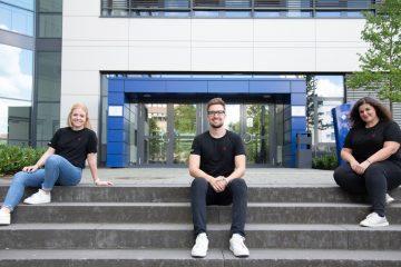 Entwickelten verschiedene Maßnahmen für die Finanz Informatik (v.l.): Lena Hermes, Ralph Kochendörfer und Silvana Weisser. (Foto: FH Münster/Katharina Kipp)