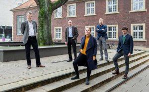 Das Team der Aufarbeitungsstudie (v.l.): Prof. Dr. Klaus Große Kracht, Dr. Bernhard Frings, Natalie Powroznik, Prof. Dr. Thomas Großbölting, David Rüschenschmidt. (Foto: WWU / Peter Leßmann)