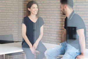 Rami war das Mündel von Beke Honermann. Auch heute sind sie noch immer im Gespräch und eng verbunden. (Foto: FH Münster/Anne Holtkötter)