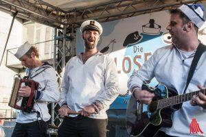 """Die wohl kleinste Shantytruppe der Welt """"Blosewinds"""" spielt in ihrem Heimathafen Münster. (Foto: sg)"""