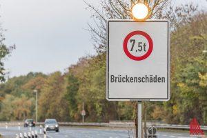Alles ab 7,5 Tonnen ist vorerst tabu auf der Brücke am Osttor. (Foto: Carsten Pöhler)