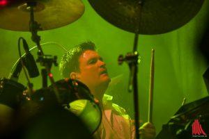 Leadsänger Brian Cummins an den Drums. (Foto: sg)