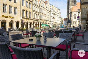 """Wie lange die Gastronomen in Münster noch ohne Gäste auskommen müssen, ist ungewiss. An der bundesweiten """"Leere Tische""""-Aktion durften die Wirte nicht mitmachen. (Archivbild: Michael Bührke)"""
