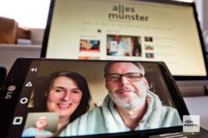 Susanne und Stephan Deitmer befinden sich in Quarantäne. Wir sprachen mit ihnen per Videokonferenz. (Foto: Michael Bührke)