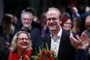 Michael Jung, Fraktionsvorsitzender der SPD im Stadtrat von Münster, freute sich erkennbar über die Wahl zum OB-Kandidaten seiner Partei. (Foto: Florian Götting)