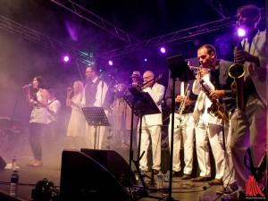 Sängerin Paz Miranda Iturriaga überzeugt auch bei den Soloeinlagen. (Foto: Dirk Hecker)