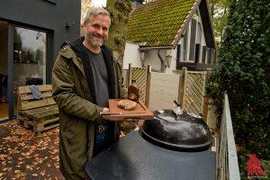 Dave Gappa hat das Steak mit dem neu von ihm entwickelten Rub vorbereitet.(Foto: mb)