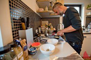 Gappas Küche in seinem Haus an der Werse, hier entstehen die Rezepte für die Rubs und Saucen. (Foto: mb)