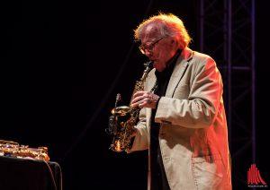 Klaus Doldinger begeisterte am Mittwoch in der Jovel Music Hall mit seinem unverwechselbaren Sound am Sopransaxophon (Foto: sg)