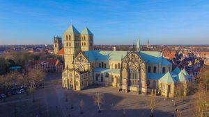 """Bei den Vorbereitungen für den Katholikentag in Münster herrscht nicht nur """"gut Wetter"""". (Foto: <a href=""""https://www.facebook.com/dronesmuenster/"""">Drones Photography</a>)"""