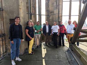 Eine kleine Gruppe Ehrenamtlicher bekam eine exklusive Stadtführung durch OB Markus Lewe. Alle Teilnehmenden - hier auf dem Turm der Lambertikirche - waren geimpft, genesen oder getestet. (Foto: FreiwilligenAgentur Münster)